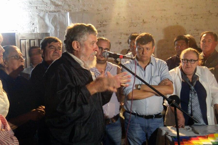 Jorge Collet. Abril 2015. Miraflores. Entrega de tierras